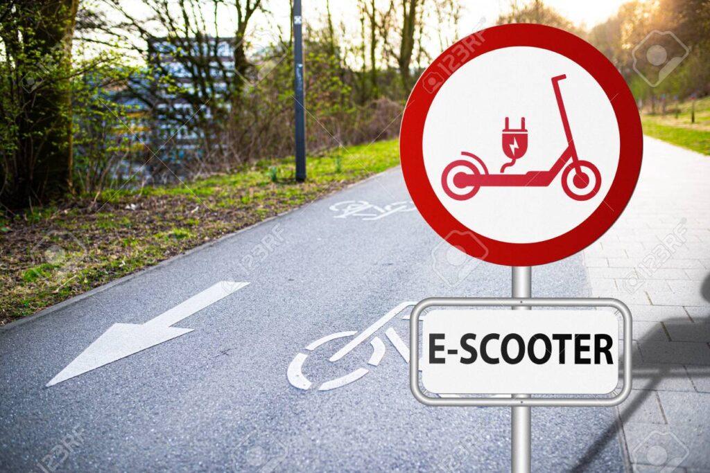 e-scooter σήμα σε ποδηλατόδρομους